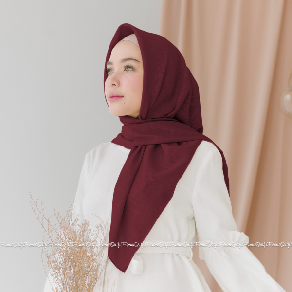 Maryam Shawl Maroon
