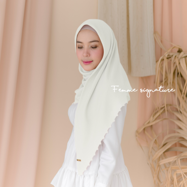 Aisyah Shawl Square Broken White