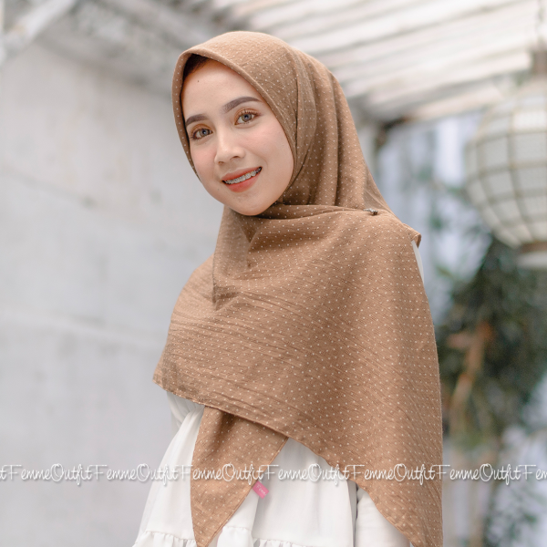Aletty Shawl Square Light Chocolate