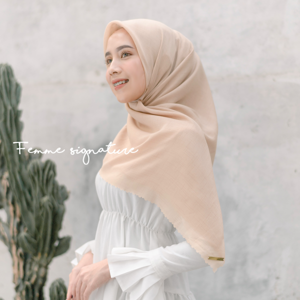 Fatimah Shawl Square Light Peach