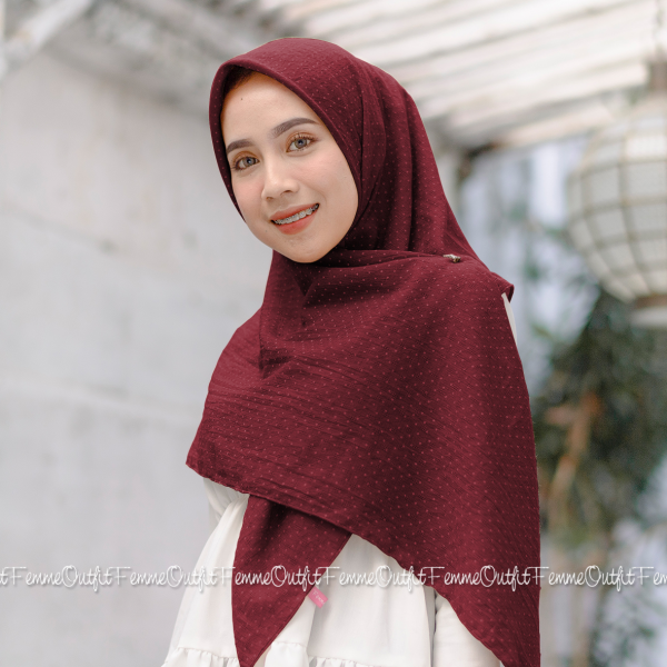 Aletty Shawl Square Maroon