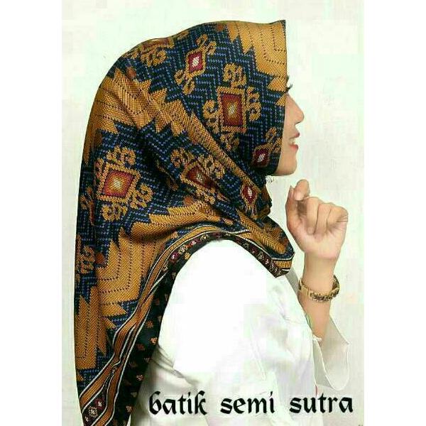 Segiempat Batik Sutra
