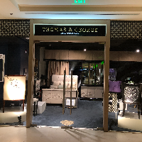 Thomas & George Fine Furniture Inc. logo