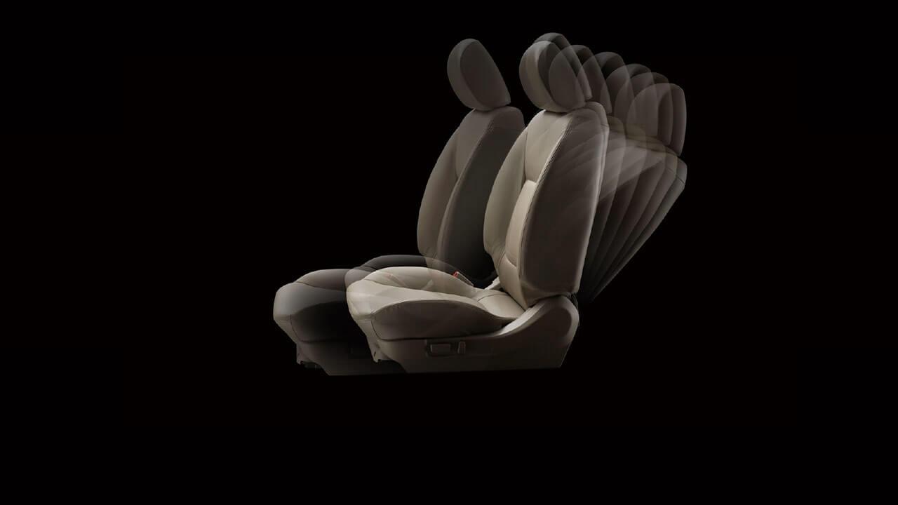 Ghế bọc da và ghế lái chỉnh điện