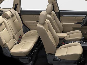 Spacious interior with 5+2 seats