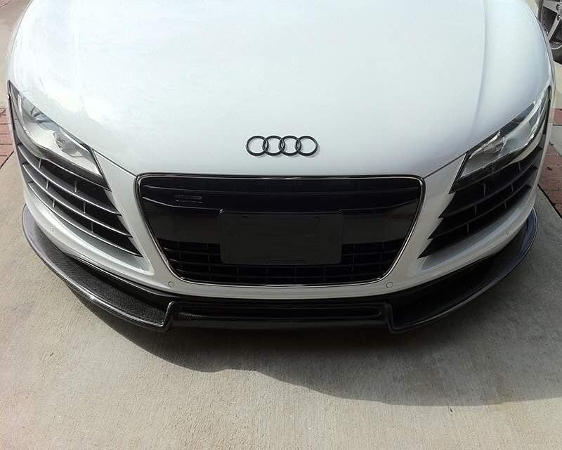 R8 front lip carbon.jpg
