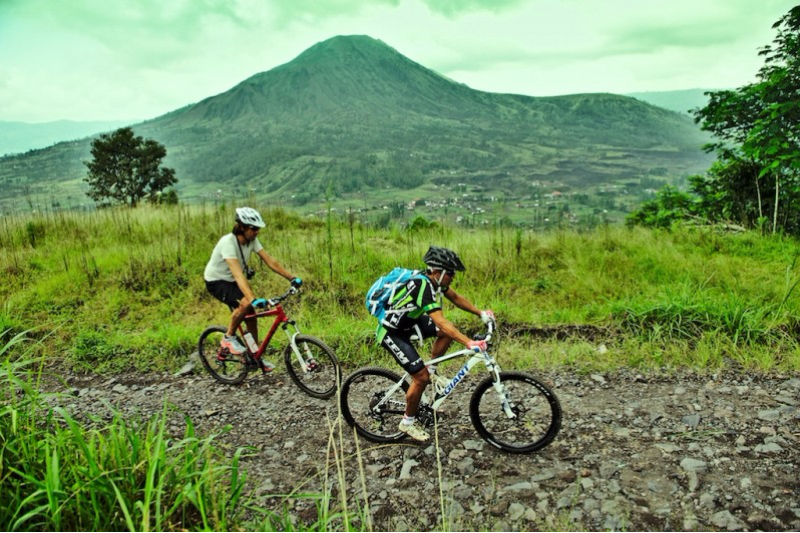 Countryside Cycling Salak Agro Mt. Agung Bali