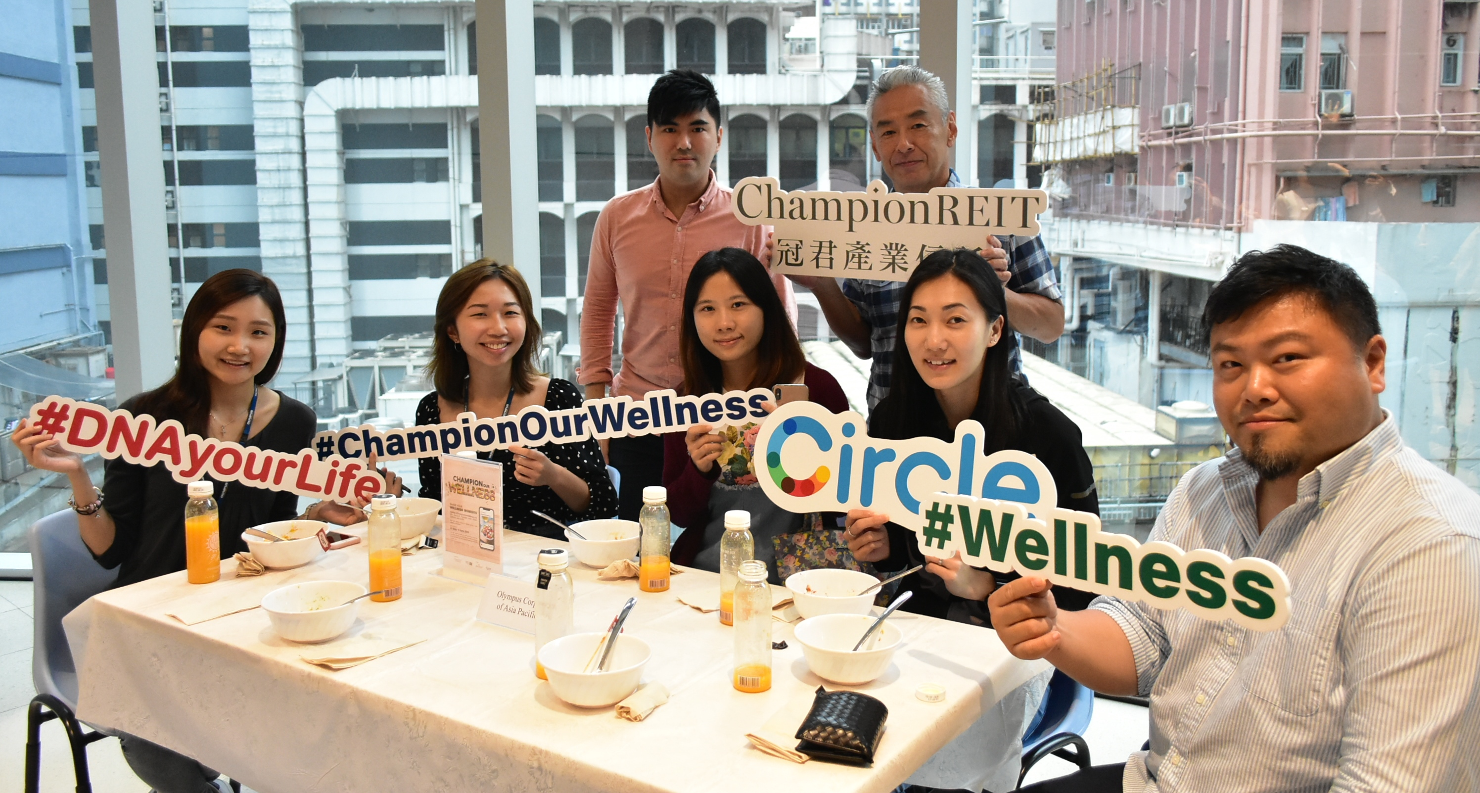 Our second Mindful Eating event was featured at Langham Place. Through enjoying a feast of vegetarian food buffet and sharing on mindful eating