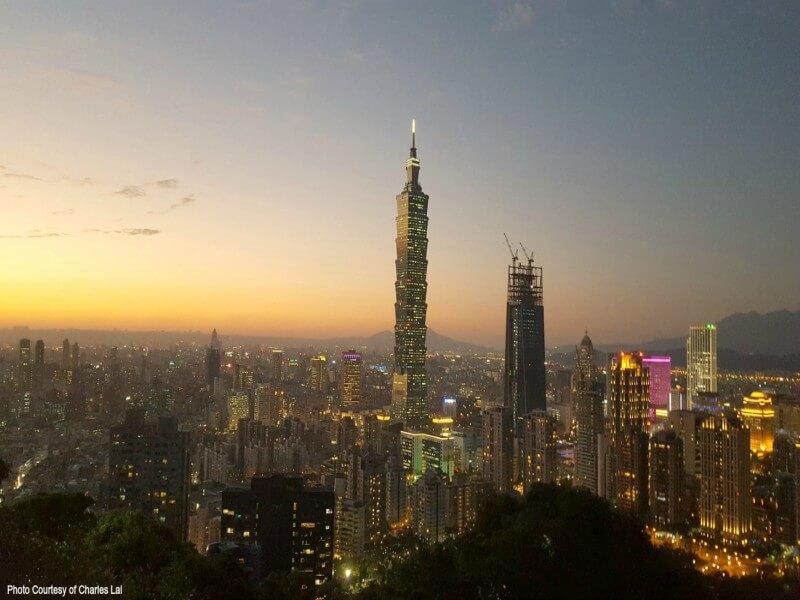 Taipei Night Tour with Din Tai Fung Dinner