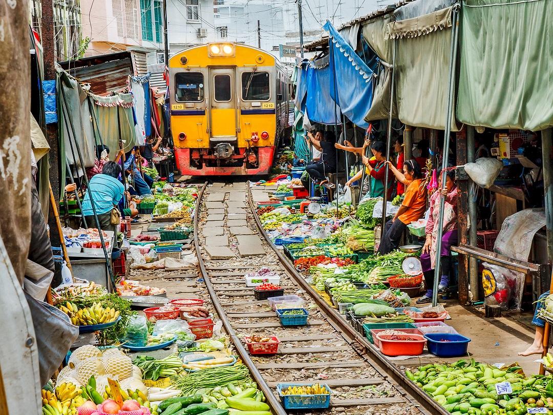 Afbeeldingsresultaat voor floating market