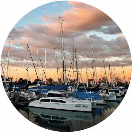 Marina & Yachts