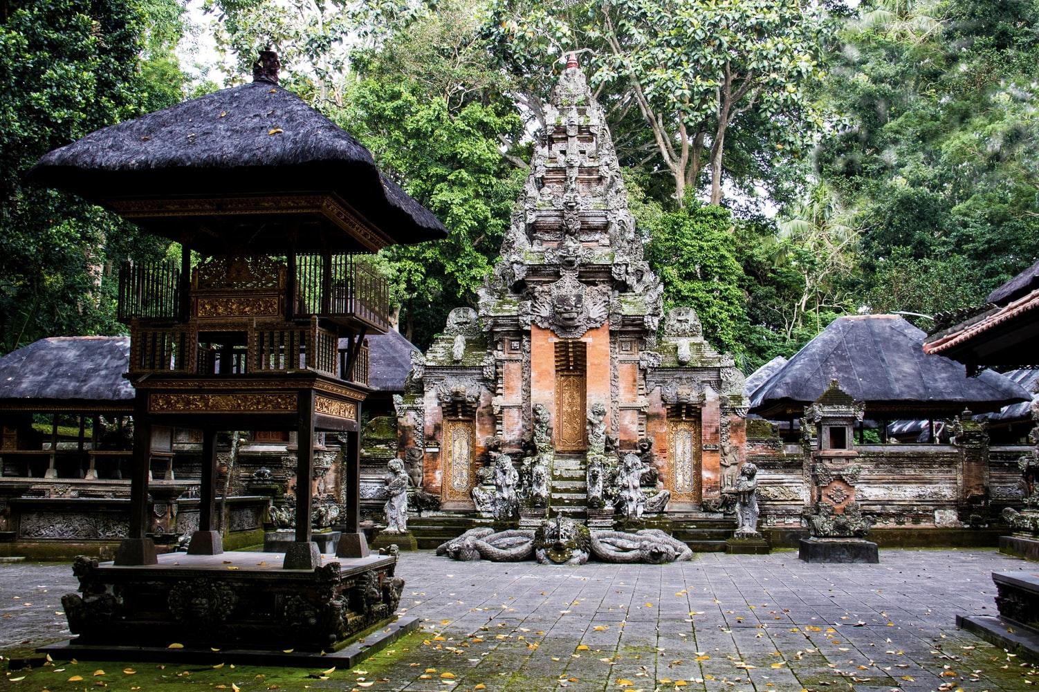 ป่าลิงอูบุด (Ubud Monkey Forest) - เที่ยวบาหลี