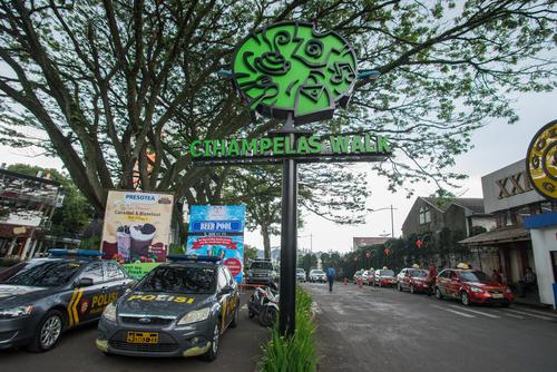 Pusat Belanja Cihampelas Bandung