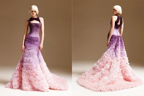 Gam màu của váy Ombre thường là màu lạnh, để làm tăng tính đối chọi giữa các gam màu.