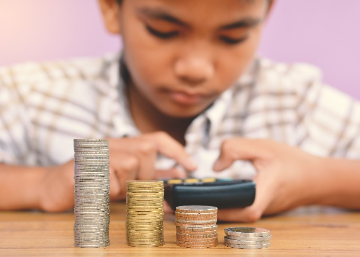 5 ways parents can pass on money-related anxiety to their children