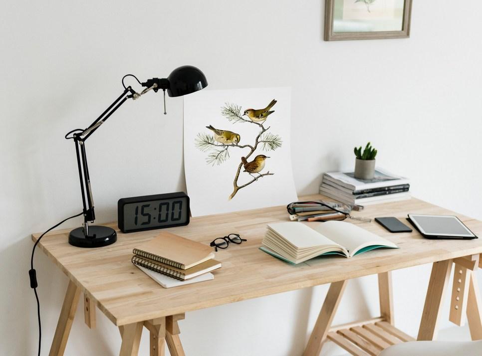 木紋色書桌