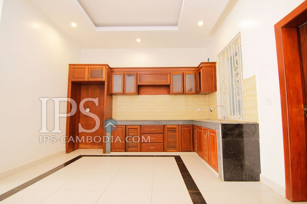 4 bedroom townhouse for sale in russey keo phnom penh for Four bedroom townhouse