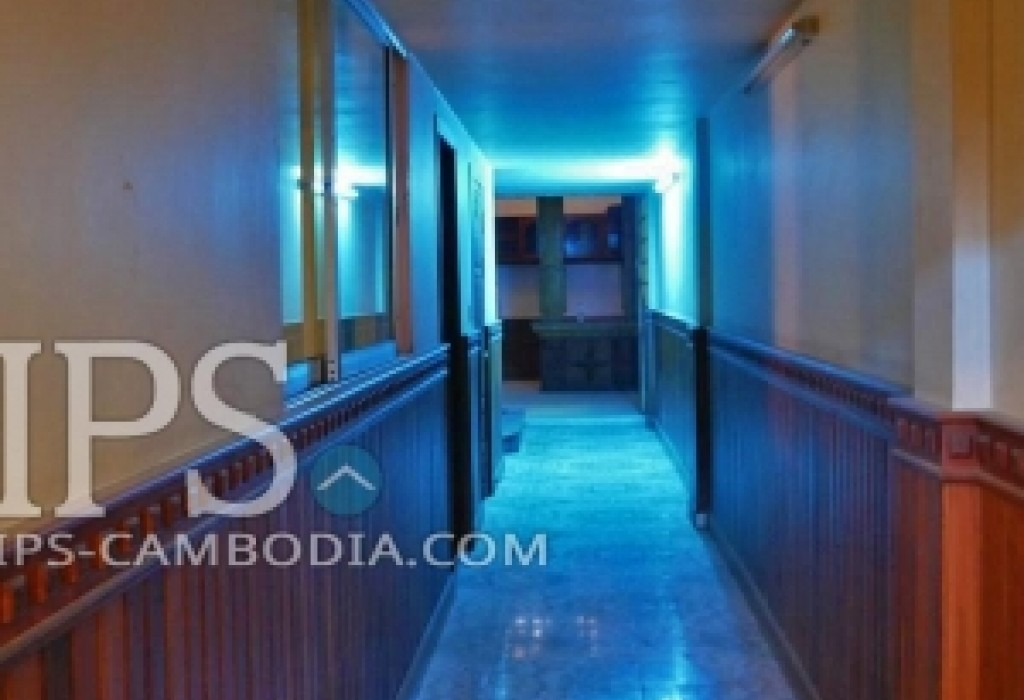 4 bedroom townhouse for rent in tonle bassac for rent for Four bedroom townhouse