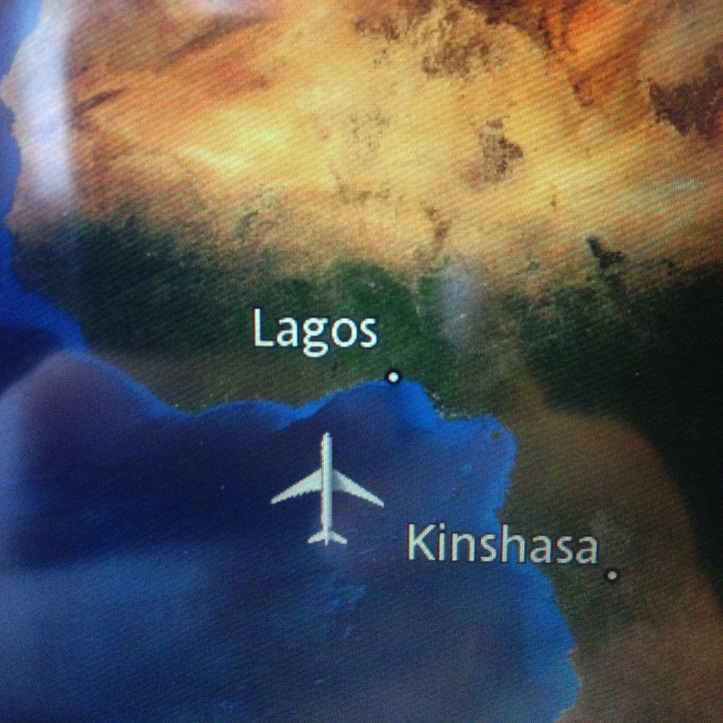 Photo of plane live location map, showing plane Southwest of Lagos, Nigeria