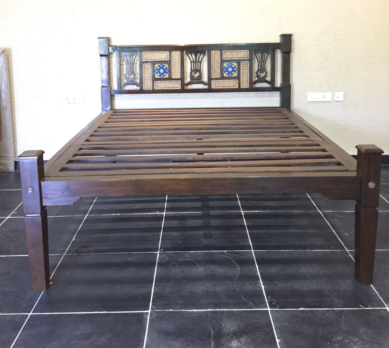 Antique King Size Teak Wood Bed In Shaikpet Antique King