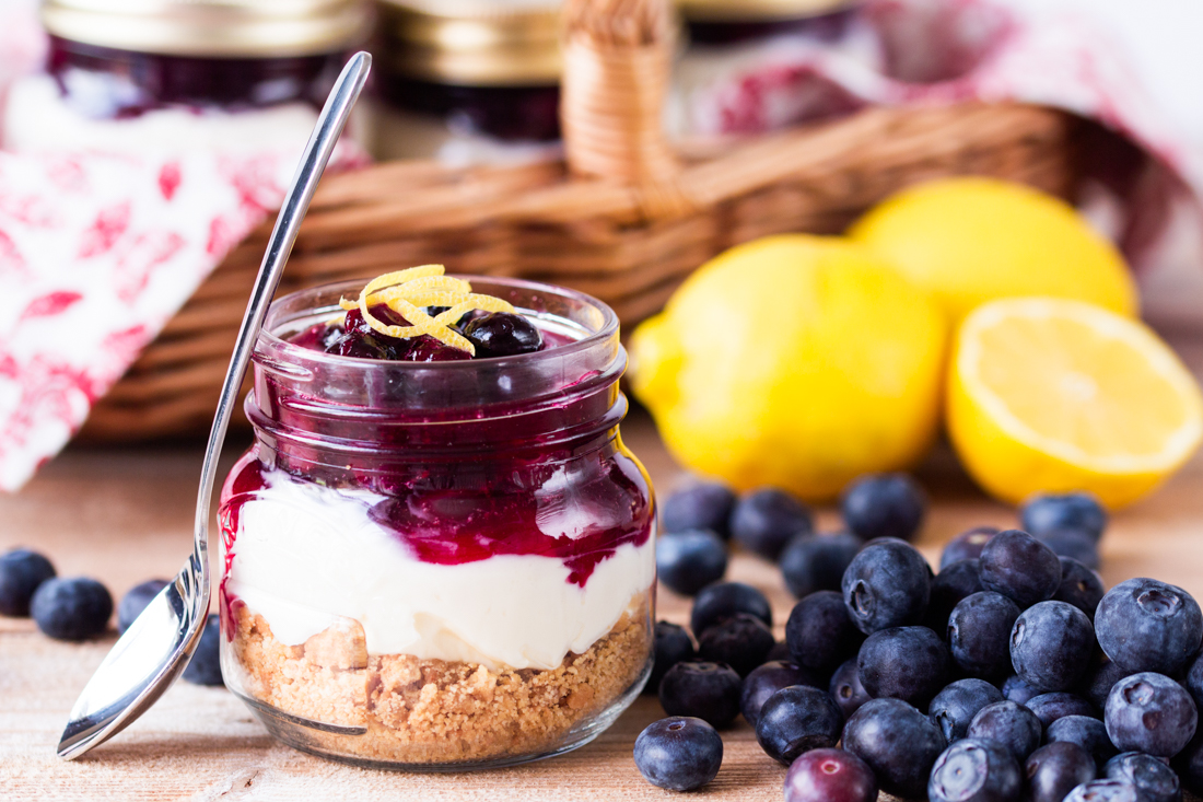 brit https://www.brit.co/mason-jar-cheesecake/