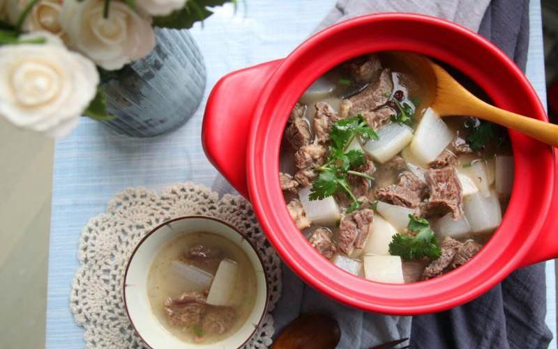 白蘿蔔牛腩湯