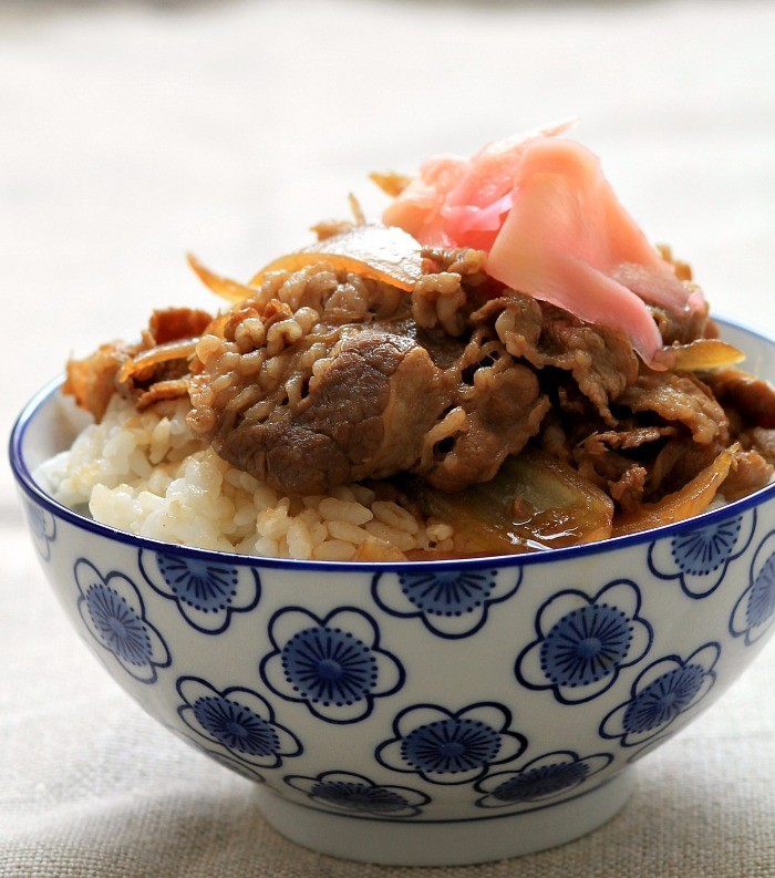 Yoshinoya-style-beef-rice-bowl_2638