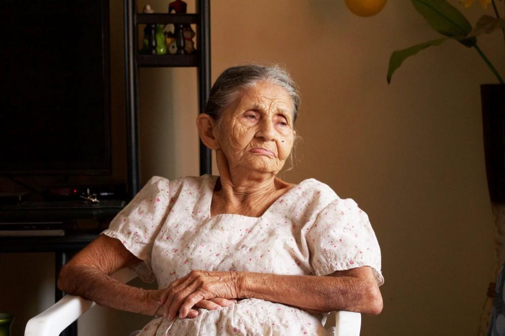 老人患者要保持心景開朗,情緒波動會加快血壓上升。