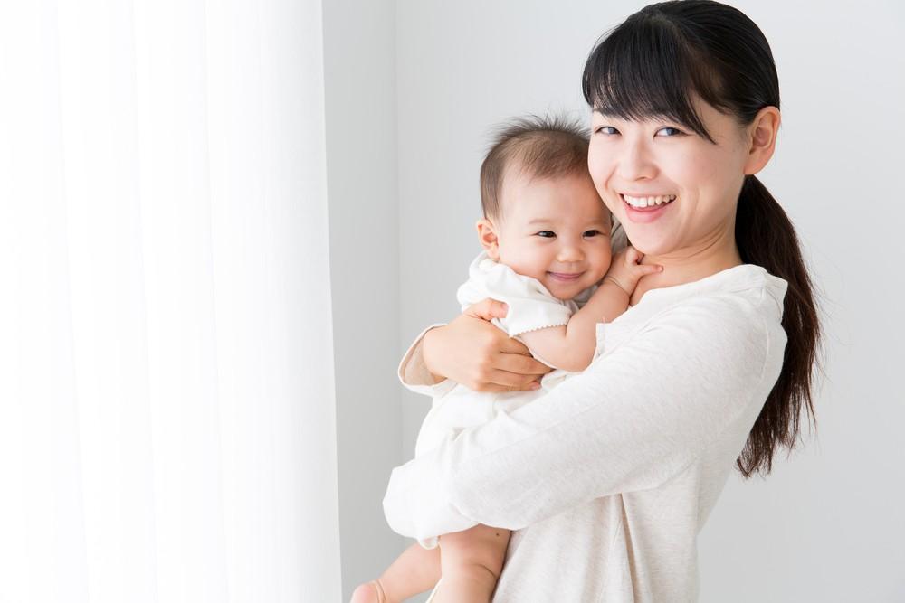 新生兒痤瘡是因孕期內,母親的荷爾蒙,由胎盤傳至嬰兒所引發。