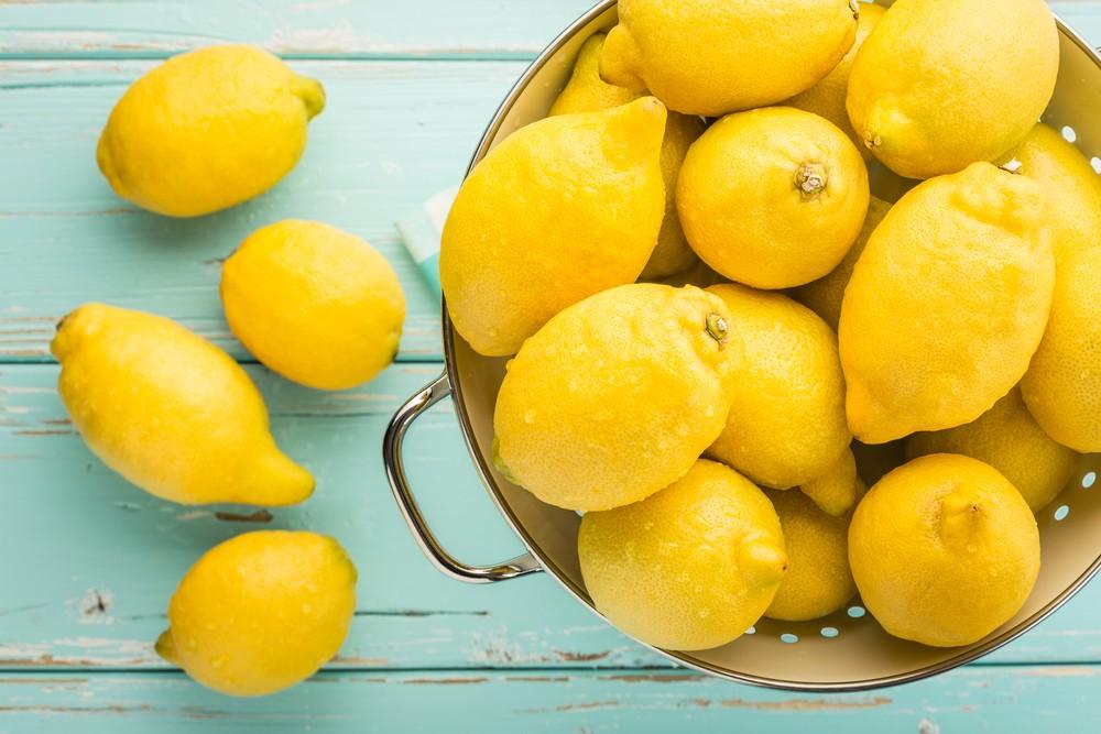 檸檬含有豐富維他命C,1個檸檬就含大約31mg的維他命C,或有助心臟健康。