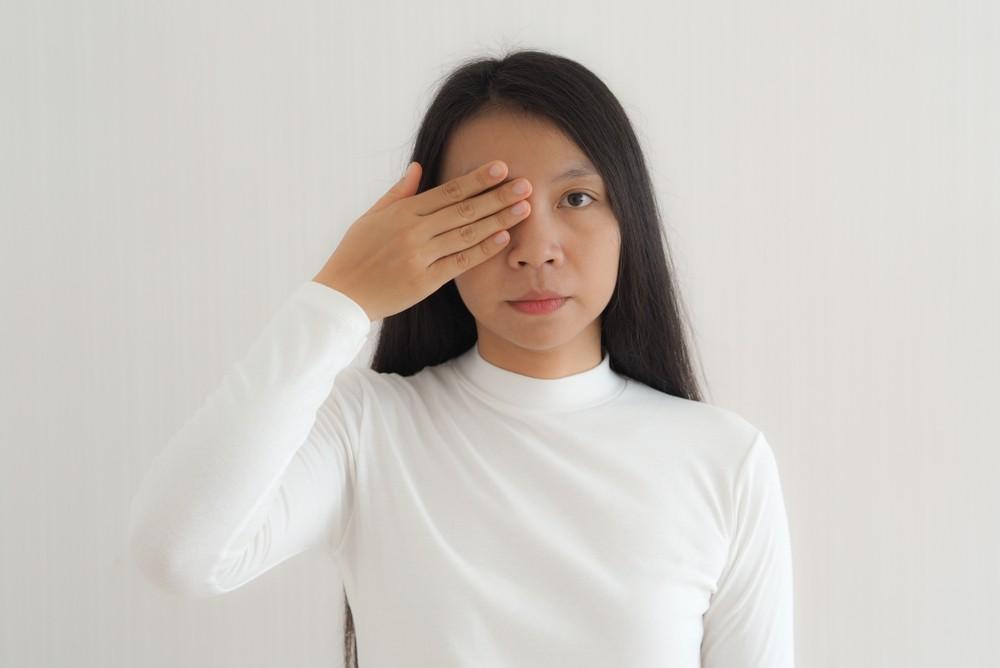 糖尿病視網膜病變初期通常都是無聲無息,視力不顯著受影響,但若血糖控制不穩定,血管內皮細胞就會受到永久破壞,引起一連串的眼底病變。