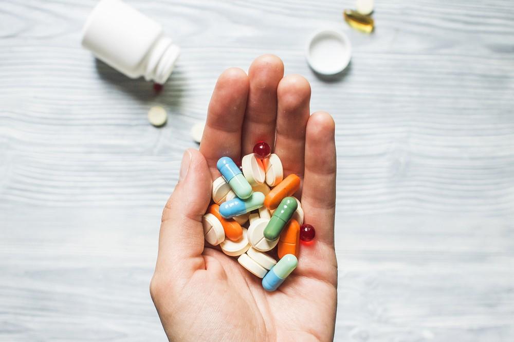 部分藥物的副作用也可能引起胃痙攣。