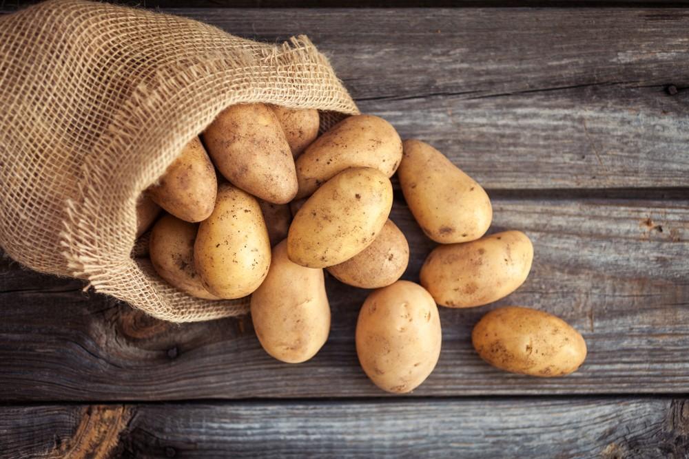 假如你連皮吃馬鈴薯,可攝取一些維他命和礦物質。