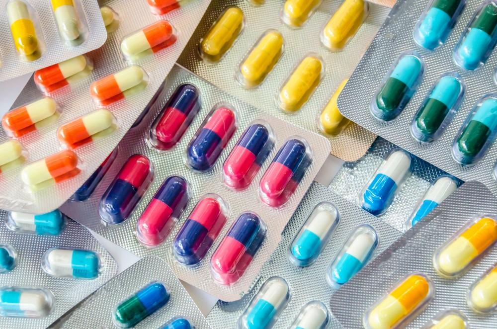 相信每個家庭都會有一些藥物儲備,以便不時之需。但如小朋友誤服家中貯存的藥物,便有機會造成中毒。