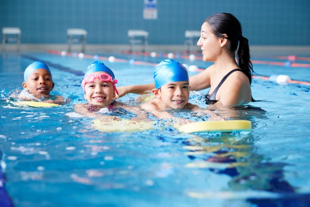 有研究結果指,相較於沒有進行指定運動的人士,喜愛游泳人士死亡率降低28%。