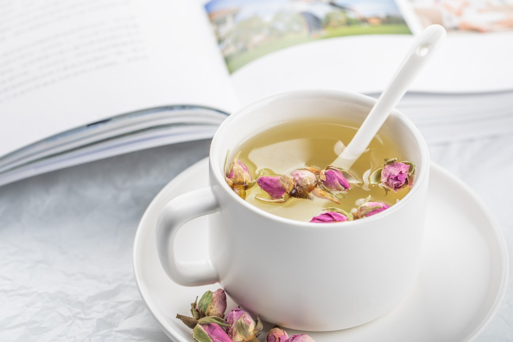 玫瑰花茶主要是由水組成,因此,每日飲用一杯或以上的玫瑰花茶,可大大增加飲水量。
