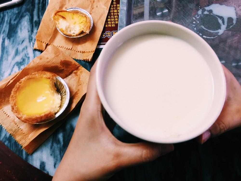 薑汁燉奶可益氣養血,散寒和胃,適合冬天食用。