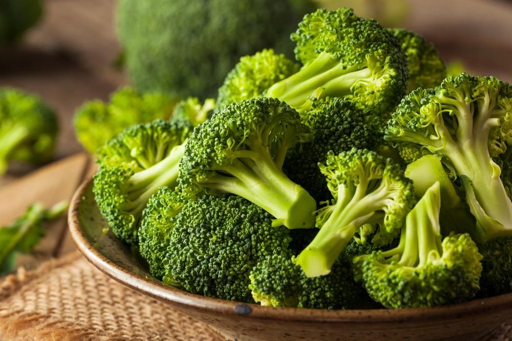 西蘭花低卡外,還含有大量纖維,和幾種不同的重要維他命和礦物質,包括葉酸、鉀、維他命C和維他命K。