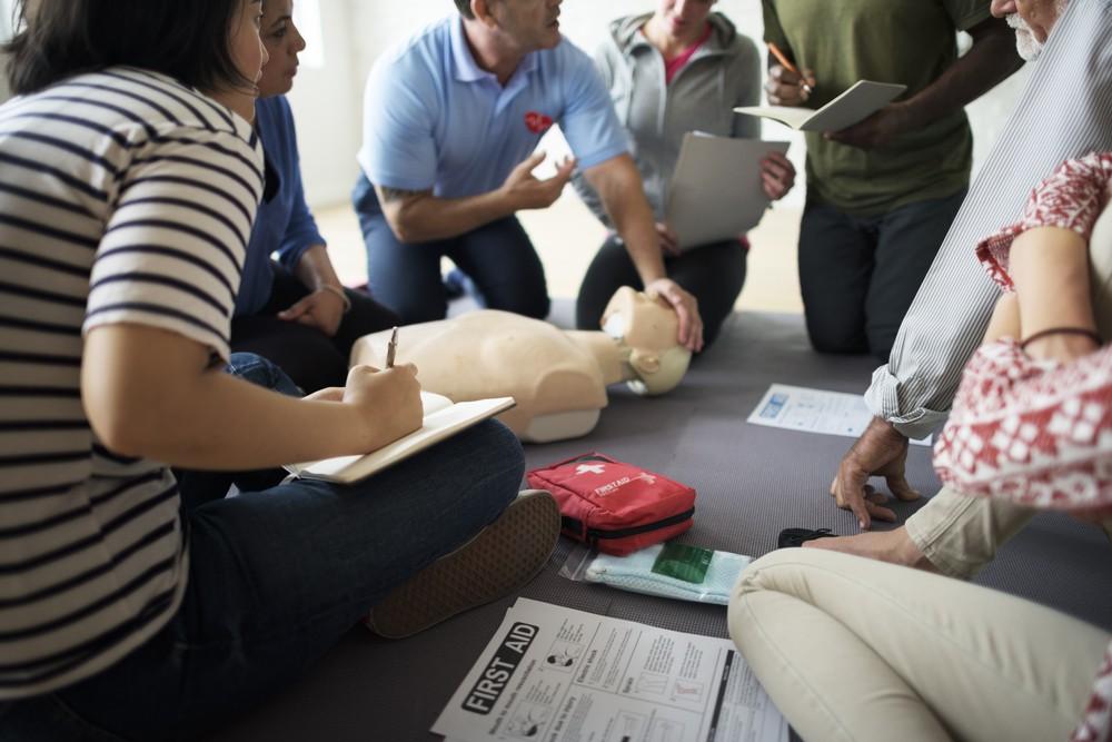 急救課程不但能加深對護理程序的認識,亦能在危急時救人一命。