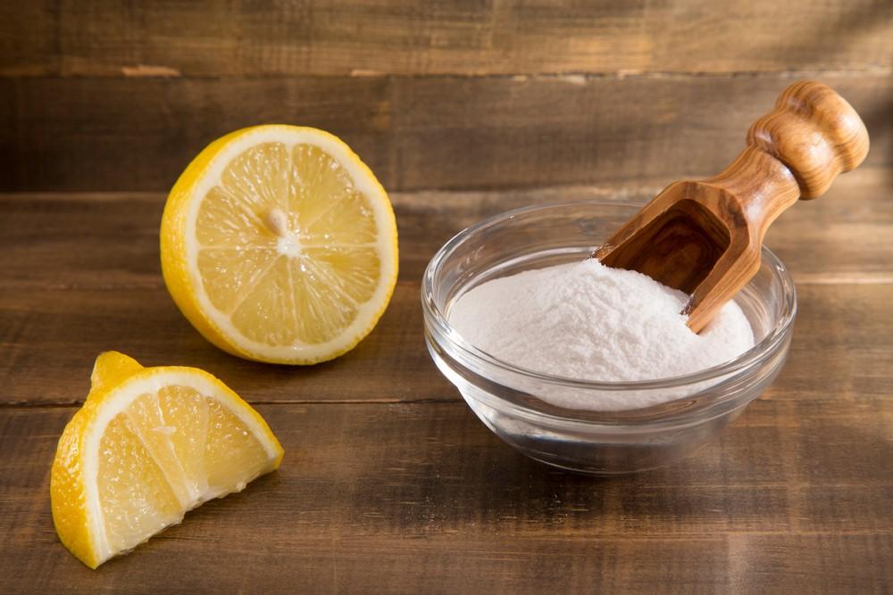 可用梳打粉、檸檬酸自製天然清潔劑。