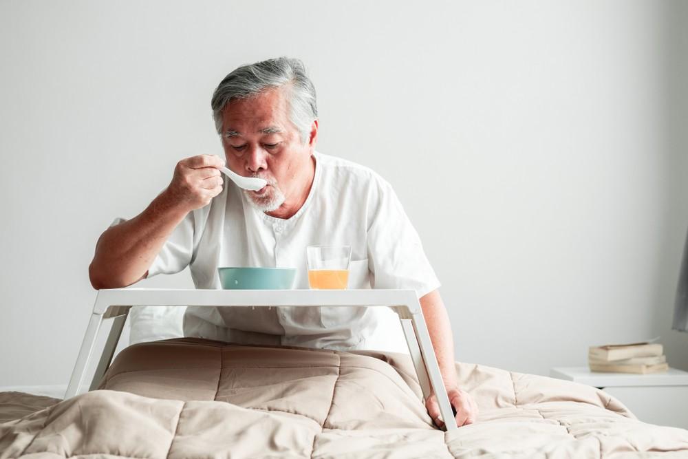 隨著年紀增長,「銀髮族」的進食機能亦會隨年減退,影響他們的日常進食情況,繼而無法從食物中吸收足夠營養。