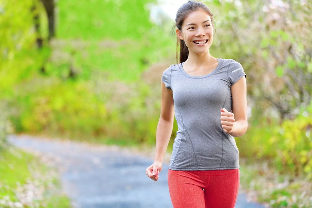 據台灣衛生福利部國民健康署資料,快走相比慢跑更能降低血壓、血糖和血中總膽固醇量,進而預防糖尿病與降低心血管疾病的風險 。