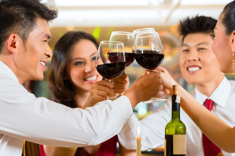 當人體代謝酒精時的過程會產生有毒物質乙醛,可造成幹細胞中的DNA破壞,導致突變並誘發癌症。