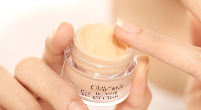 OLAY Eyes Collection Cutie be Smudged by สอดอ.