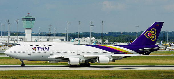 Thai Airways B747-400-21