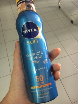 Sun Protect & Refresh Cooling Sun Mist SPF50