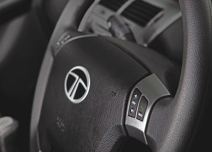 Tilt-adjustable steering, Bluetooth, hands-free phone connectivity and a 2-DIN music system really make every journey a treat.