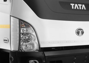 15 Tonner Ultra Truck - Head Lamp