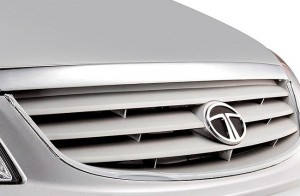 Tripple step chrome tipped grille