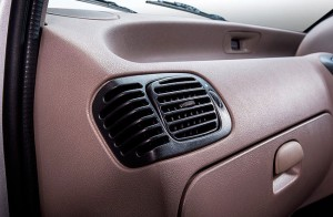 Air flow control on front vents
